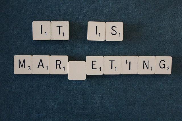 Diseñar Carteles Comerciales y Publicitarios Creativos Online Gratis